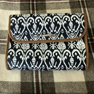 Stella and Dot Toiletry Bag